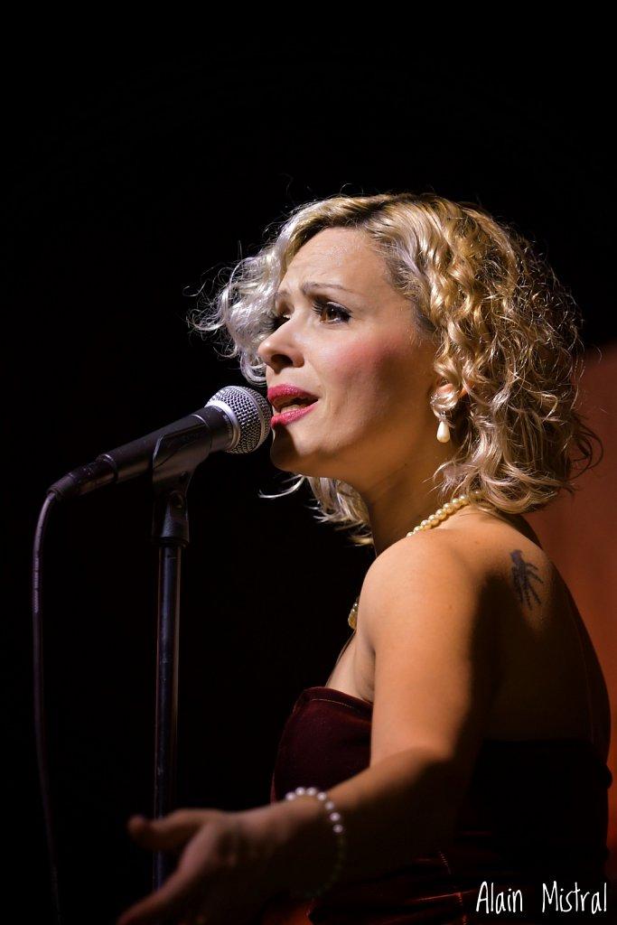 Eliana Sosa, Singer of Orquesta Típica Misteriosa Buenos Aires